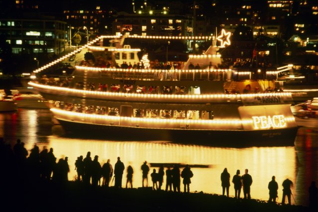 Argosy Christmas Ship Festival 2016. Image courtesy of Red Tricycle: http://redtri.com/seattle/lights-carols-action-59-ways-to-see-the-ch